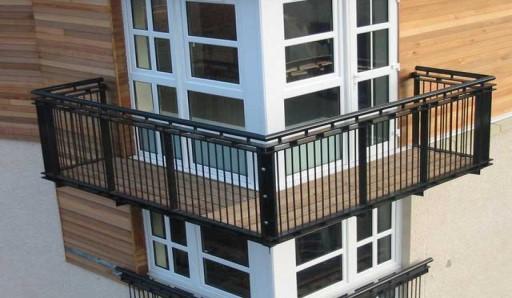 Усиление перил на балконе сваркой - фото
