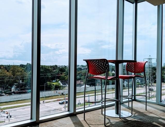 алюминиевые раздвижные окна на балкон фото