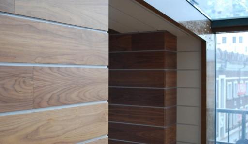Отделка балкона МДФ панелями - фото