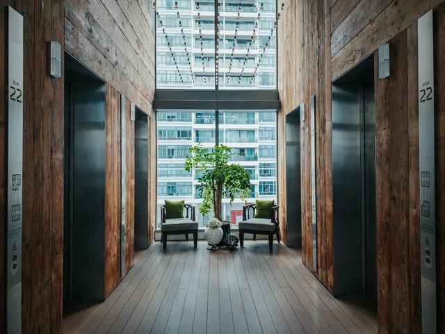 деревянные окна на балкон фото