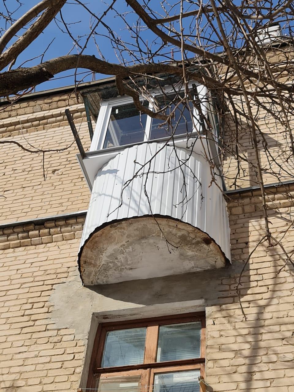 Утепление и остекление старого балкона - фото