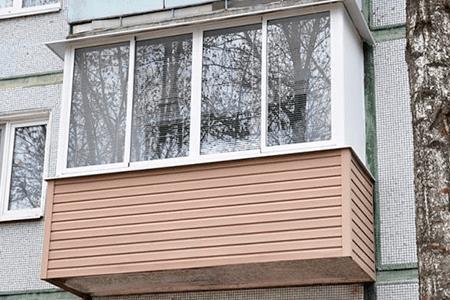 Внешняя обшивка балкона сайдингом своими руками - фото