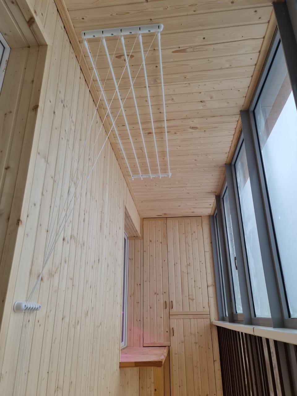 Отделка балкона вагонкой - фото
