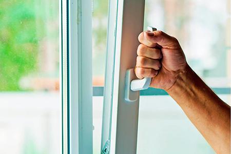 какие окна установить на балкон фото