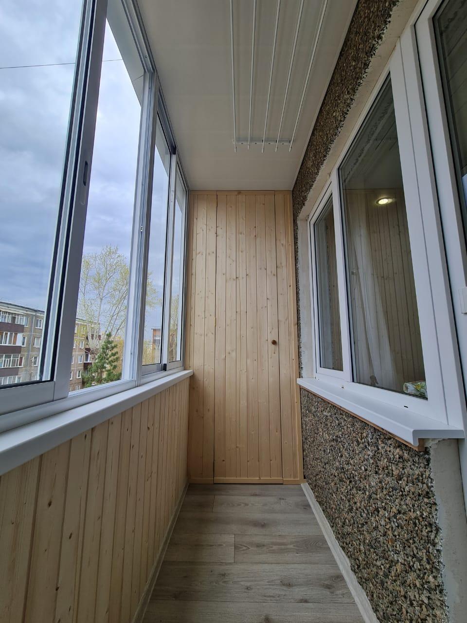 Обшивка балкона и установка стеклопакета Декабристов 109 - фото