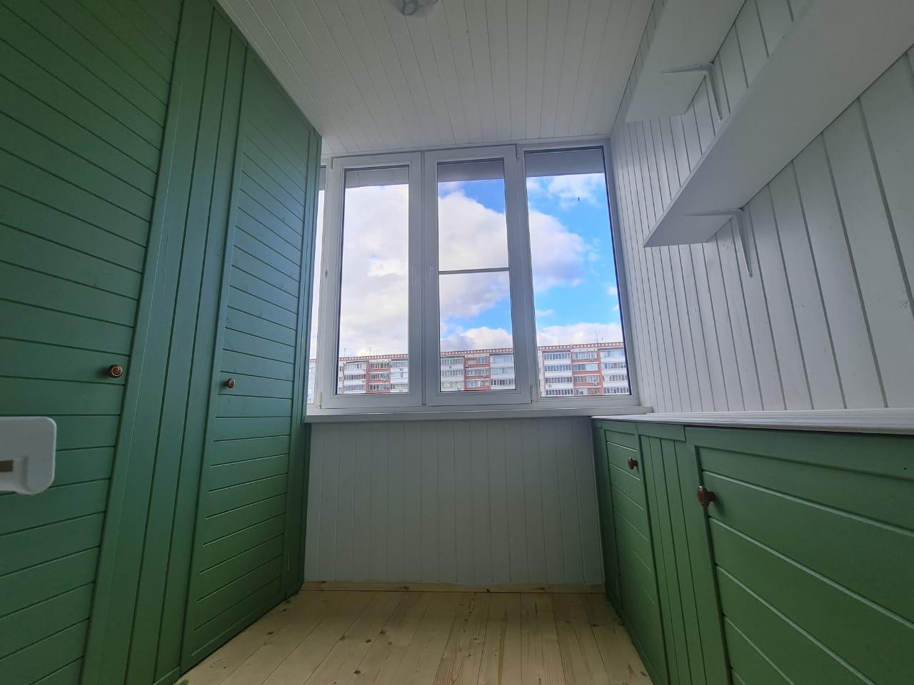 Ремонт и остекление балкона Фучика 2 - фото