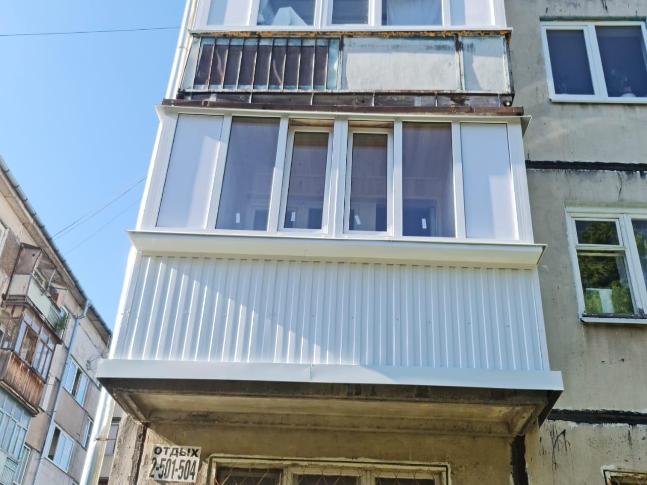 Остекление и обшивка балкона на ул. Красной Позиции 9А - фото