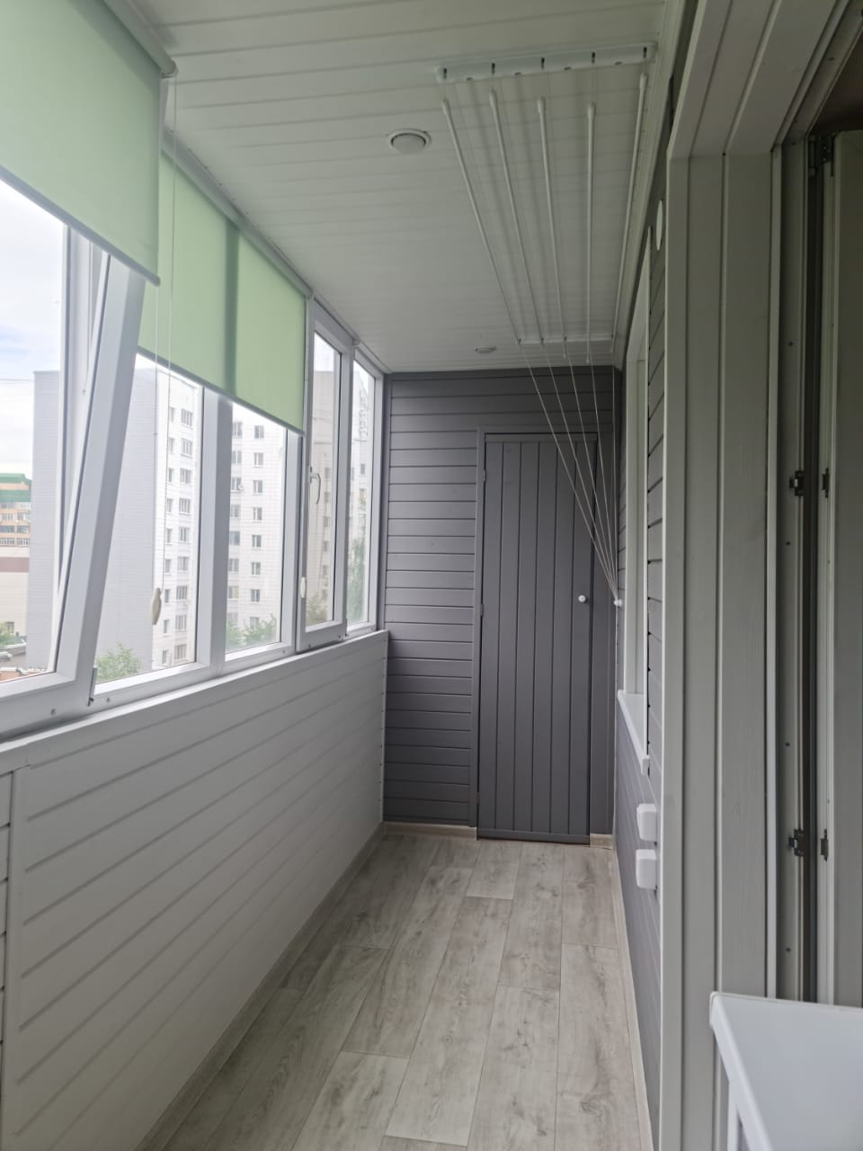 Обшивка лоджии, сборка шкафов, покраска и укладка линолеума ул. Вишневского 10 - фото