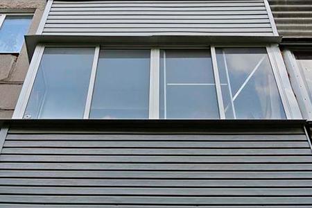 Как обшить балкон сайдингом снаружи - фото