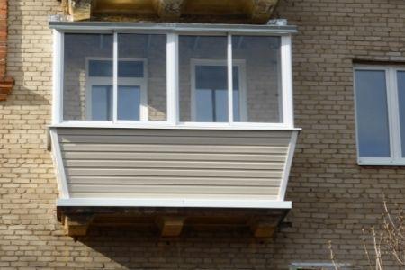 Как выбрать сайдинг для наружной отделки балкона - фото