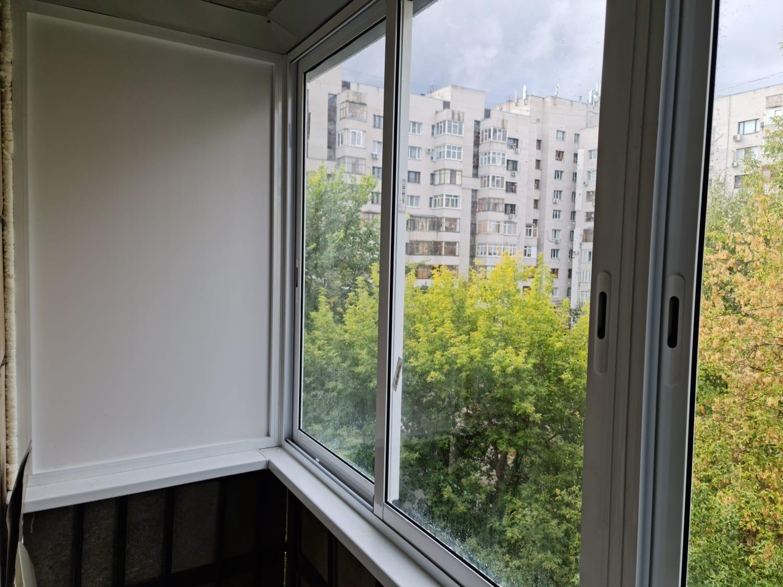 Установка раздвижных рам на балконе ул. Космонавтов 47 - фото