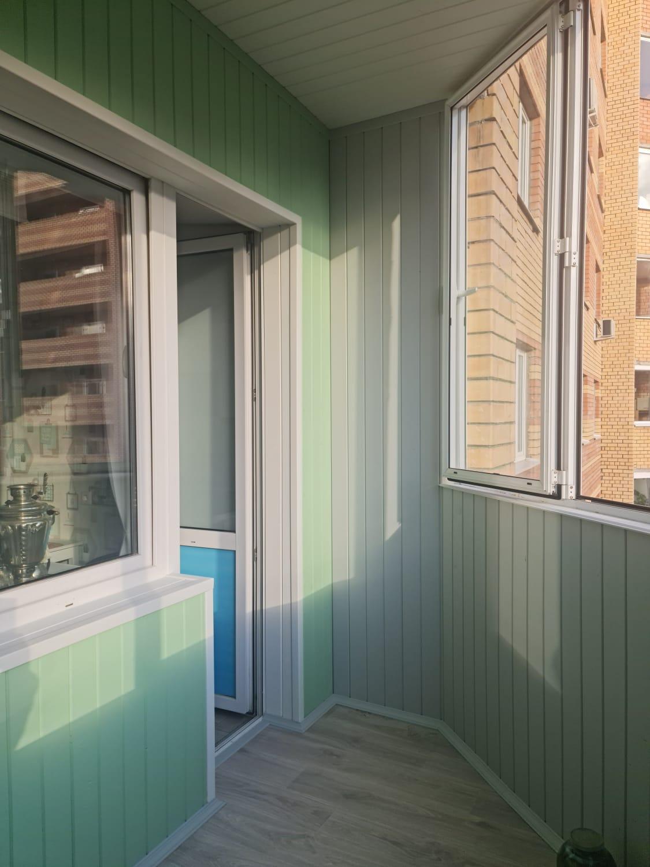 Обшивка вагонкой и покраска балкона по ул. Чингиза Айтматова 13 - фото